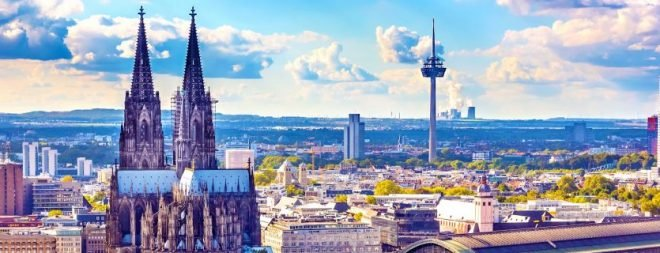 Drei Personen als Symbol für drei Arten von Kölner Singles