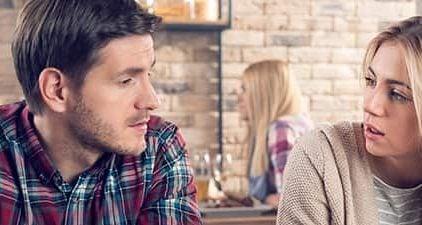 """Mann sitzt seinem Date gegenüber und realisiert """"Sie will keine Beziehung"""""""