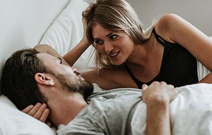 Mann und Frau verliebt
